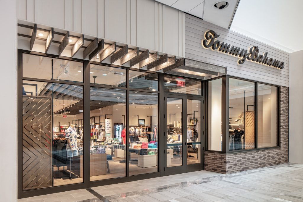 Tommy Bahama store Copley Place Mall, Boston MA. Licensed to Eider-Jones, Inc. only for Portfolio, Print, Web and Social Media Marketing, full usage rights. Web-Res File